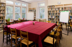 Table Room (board room style)